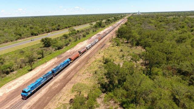 El tren transportó 4300 toneladas de soja