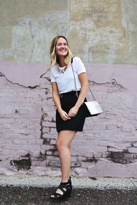 weekend ready/ black skirt, white tee.