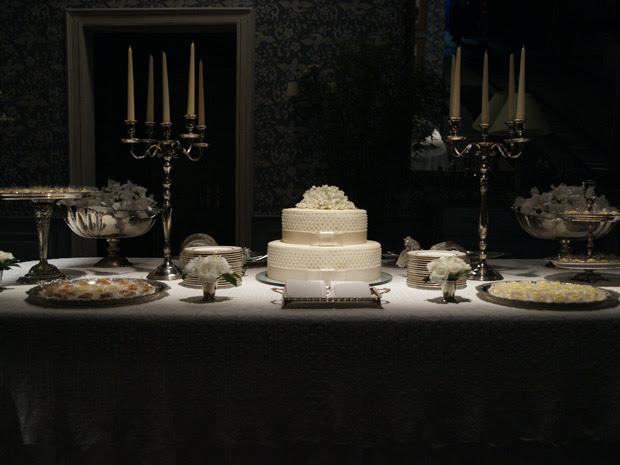 A mesa de quitutes da festa