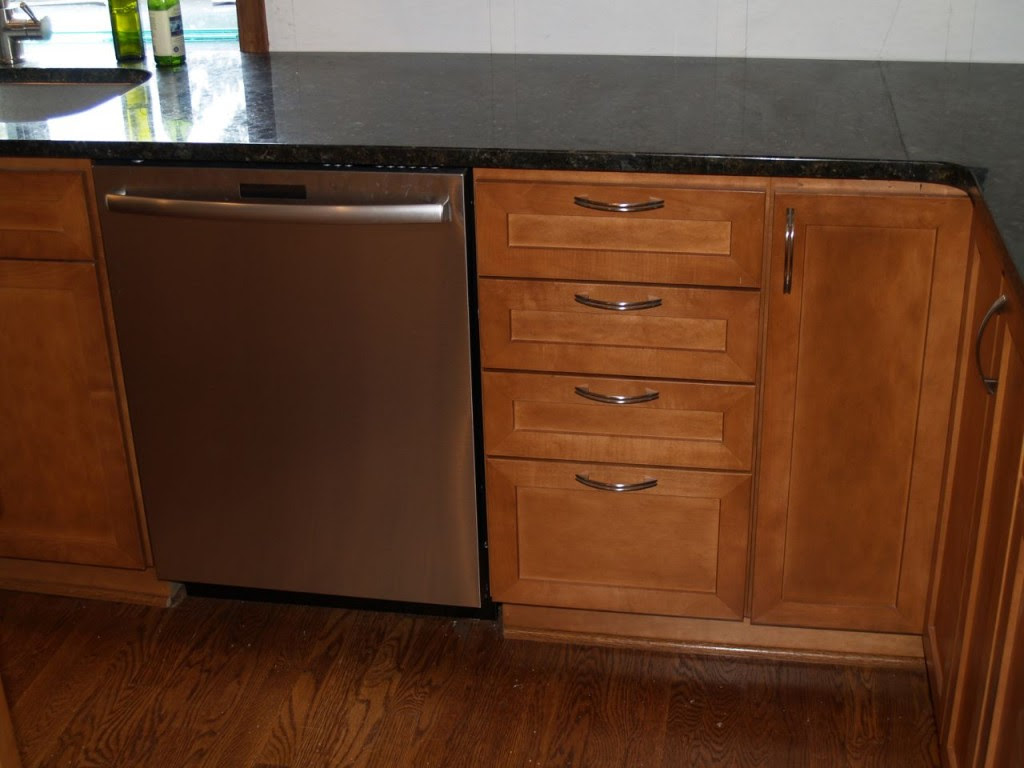 new kitchen cabinets and dishwasher - Geeky Girl Engineer