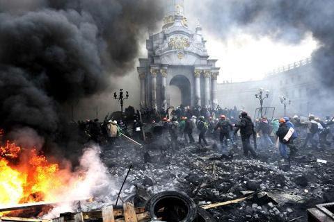 Ukraina, Yanukovich, phe đối lập, Kiev, chính biến, nữ hoàng tóc tết, Đông Âu, Nga, Putin, viện trợ kinh tế