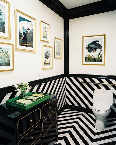 Very chic black and white bathroom via Mix and Chic!