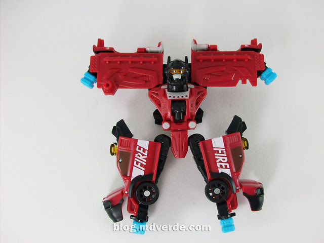 Transformers Smolder con Chopster Power Core Combiners - modo Combiner