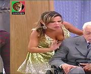 Fernanda Sousa sensual na serie Toma lá dá cá