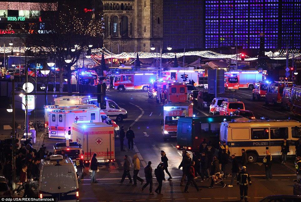 Carnage: Houve uma carnificina absoluta em Berlim como o mercado festivo se transformou em uma cena angustiante e trágica