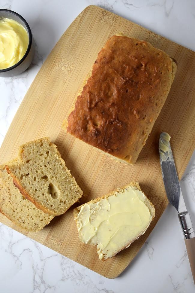 Homemade No-Yeast Bread Recipe | Tempting Treat