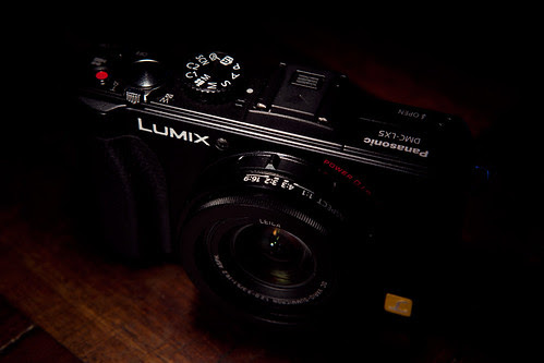 Lumix LX5 - Angled view