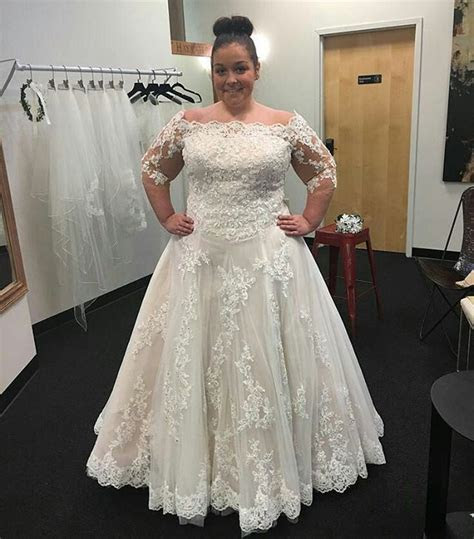 1000  ideas about Plus Size Wedding on Pinterest   Curvy
