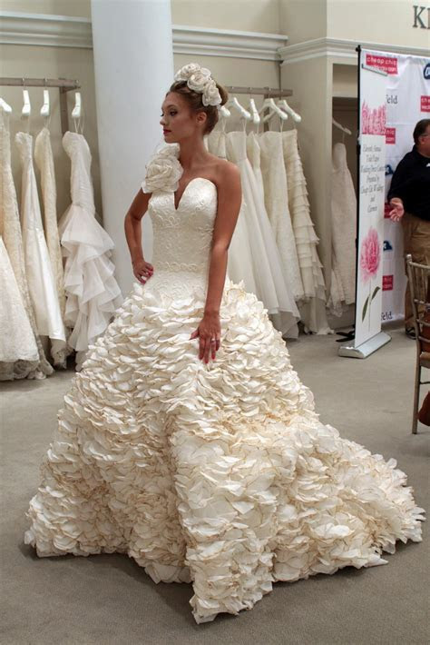 PHOTO GALLERY! 11th Annual Toilet Paper Wedding Dress