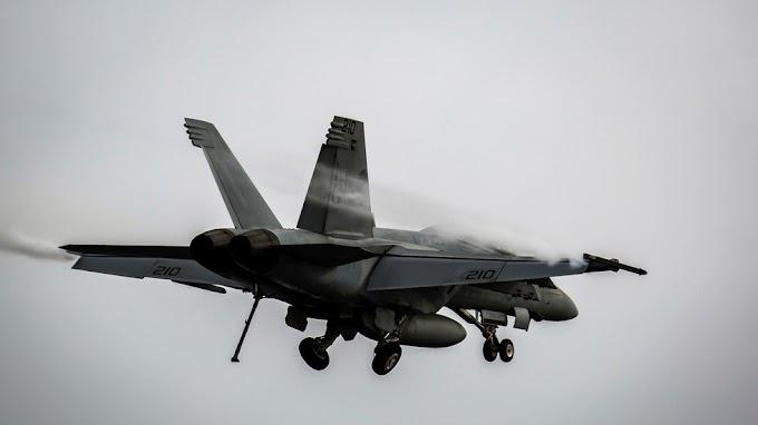 Cai na Califórnia um F-18 Super Hornet da Marinha dos EUA