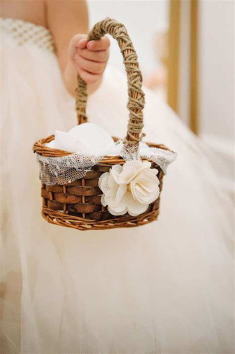 1000  ideas about Flower Girl Basket on Pinterest   Flower