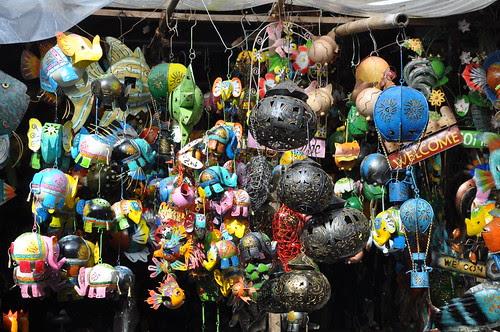 trinklets at ubud market