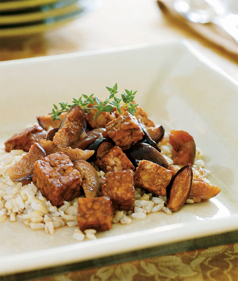 Slow Cooker Tempeh Braised with Figs and Port Wine | Healthy Slow Cooking