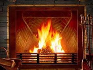 Un caminetto a legna e la sua fiamma