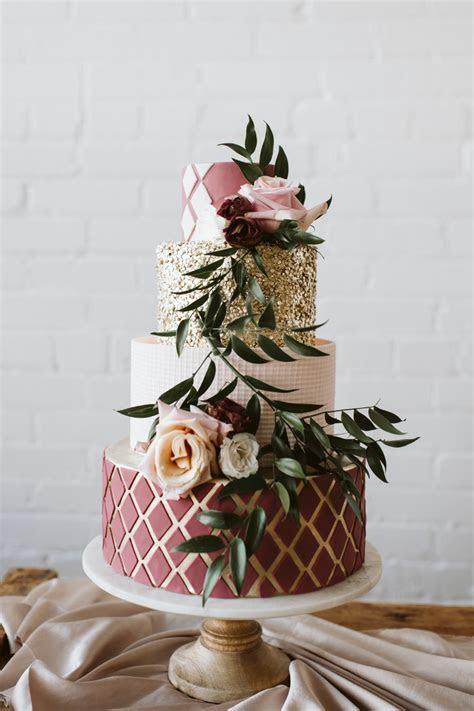 Trendy 2019: Jaki tort weselny wybra? i czemu nie ?naked??