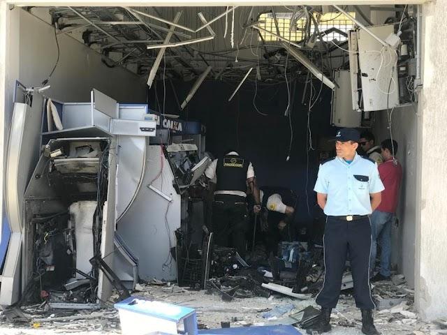 Bandidos explodem caixas de banco dentro de galeria na Zona Leste de Nata