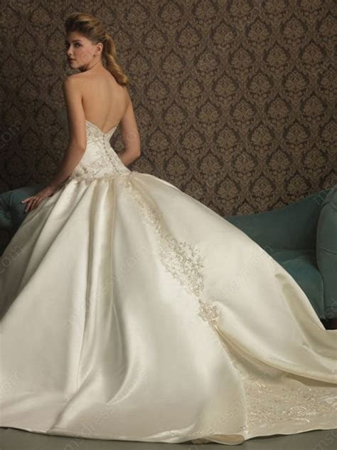 corset ball gown wedding dresses with long trains