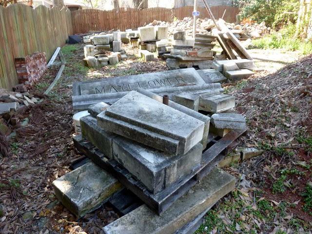 P1080508-2011-03-12-Phoenix-Flies-Grant-Mansion-Mayflower-Building-remnants