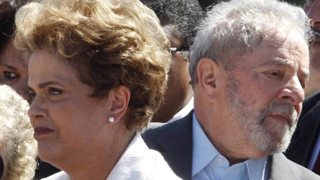 Lula e Dilma são acusados de atrapalhar a Lava-Jato