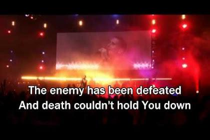 Freedom Is Here / Shout Unto God - Hillsong United (Lyrics/Subtitles)