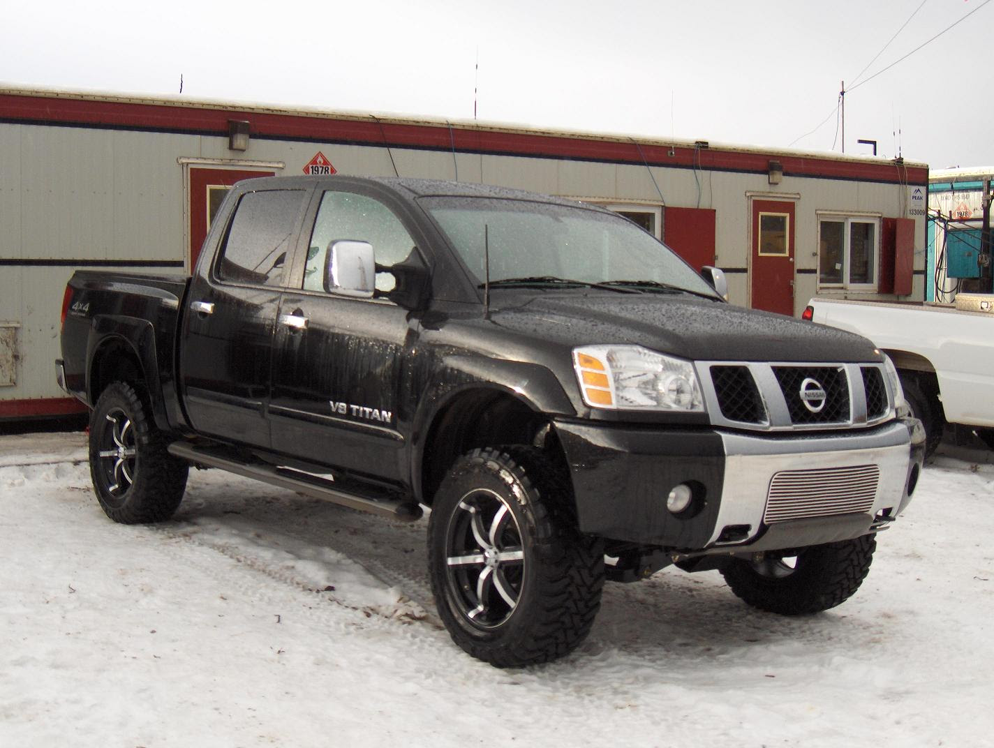 Lifted Nissan Titan 4X4 For Sale hd image