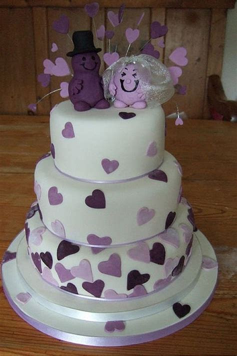 Beautiful Purple Wedding Cakes   Wedding Cake Toppers