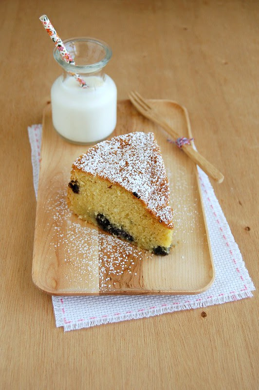 Blueberry and coconut cake / Bolo de coco e mirtilos