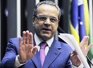 Henrique Alves, favorito na disputa à presidência da Câmara
