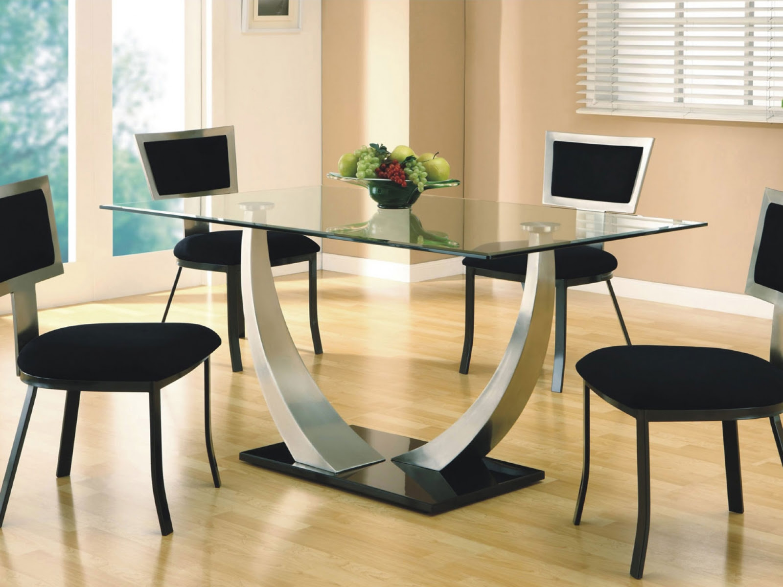 Square Dining Table Design for Your Home D\u00e9cor