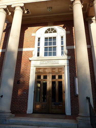 P1010049-2010-03-06-Decatur-City-Hall-Portico-Door-Window-Column-Detail