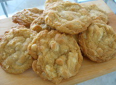 White Chocolate Macadamia nut cookies, Bread Recipes, Pastries, Baking, FX777, FX777222999, Cookies Recipes, Snacks