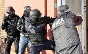 El Gobierno británico puso en marcha hoy un nuevo organismo destinado a luchar contra el crimen organizado, que será similar al FBI de Estados Unidos y que llevará el nombre de Agencia Nacional del Crimen (NCA, siglas en inglés). EFE