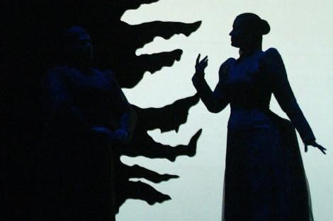 Ensayo de una ópera con sombras chinas.| Antonio Heredia