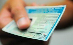 CNH carteira nacional de motorista 840x523 300x187 - STJ autoriza suspensão da carteira de motorista de devedores