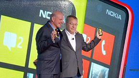 Nokia-Microsoft, vince Elop. Milioni di euro per il cambio di bandiera