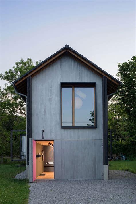 pequena casa de madeira  grande estilo limaonagua