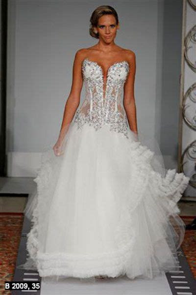 Pnina tornai (born november 25, 1962) is a wedding dress
