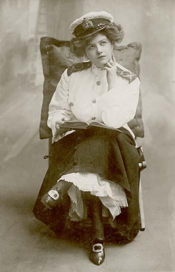 Lilla Kvinna Oola-laa!: Victorian and Edwardian actresses.