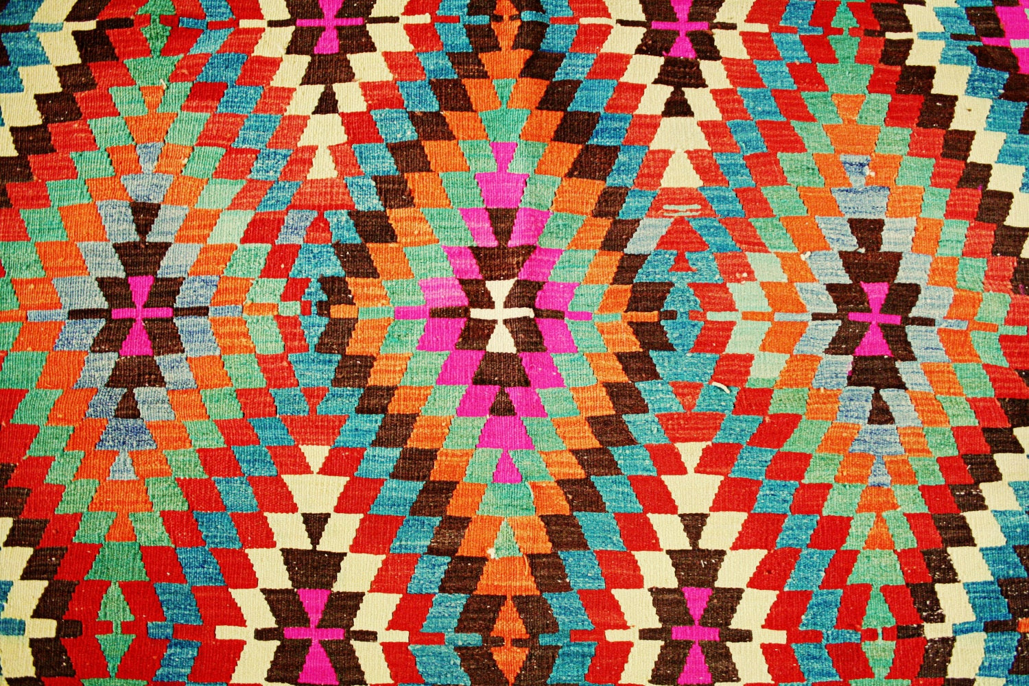Vintage Turkish Kilim Rug / Pink Orange Blue Red - DeluxeFurnishings