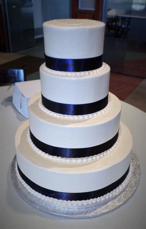 Wedding Cake   Simply Aggie's, Smooth 1   Aggie's Bakery