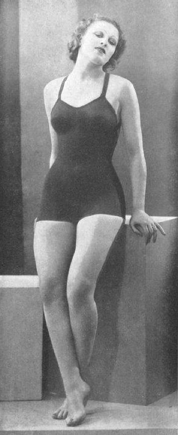Vogue-ete-1934---le--Grisina-Maillot--de-bain.png