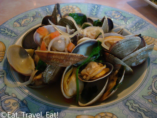 Sesame Grill: Clams in Garlic Wine Sauce