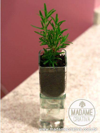 Πώς να κάνει γυάλινη φιάλη βάζα - Βήμα-βήμα με φωτογραφίες - Πώς να κάνετε αγγεία χρησιμοποιώντας παλιά άδεια μπουκάλια - DIY φροντιστήριο - Madame Creative - www.madamecriativa.com.br