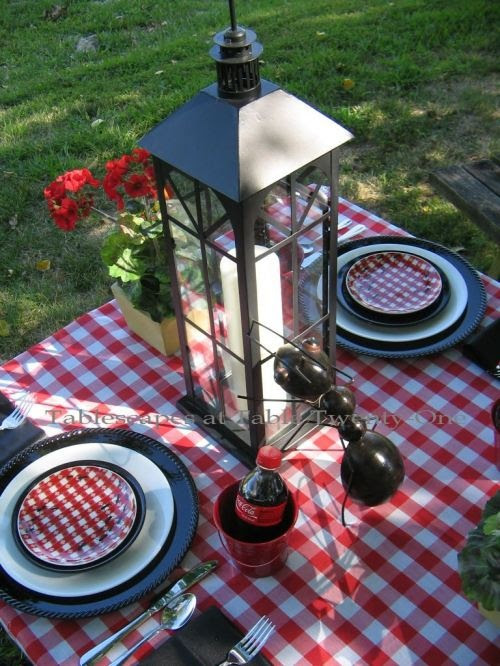 Summer Picnic Table Scape