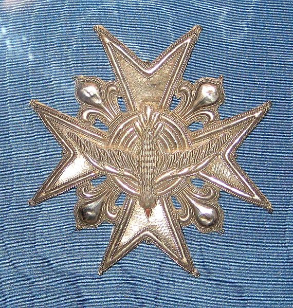 File:Embroidered star of Order of the Holy Spirit (Alexander I of Russia).jpg