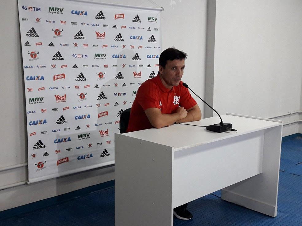 Zé Ricardo na entrevista coletiva na sala de imprensa do Serra Dourada (Foto: Bruno Giufrida)