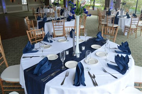 Navy Blue & White Buffalo Wedding Decor Ideas   Gala