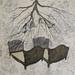 芭梅菈‧埃米亞〈Crossed position交錯的狀態〉woodcut on 19th century print fabric, Unique copy木刻版印於19世紀布料僅一版‧62x79cm‧2013
