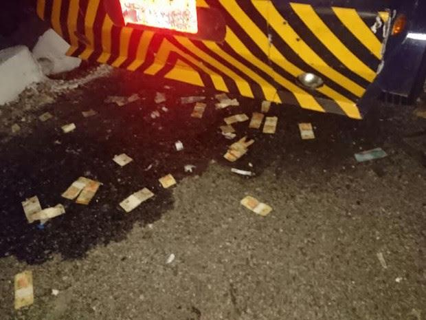 Grupo explode carro-forte e leva mais de R$ 1 milhão segundo a PM