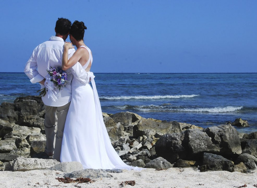 For starters here are some tips for choosing a unique wedding location